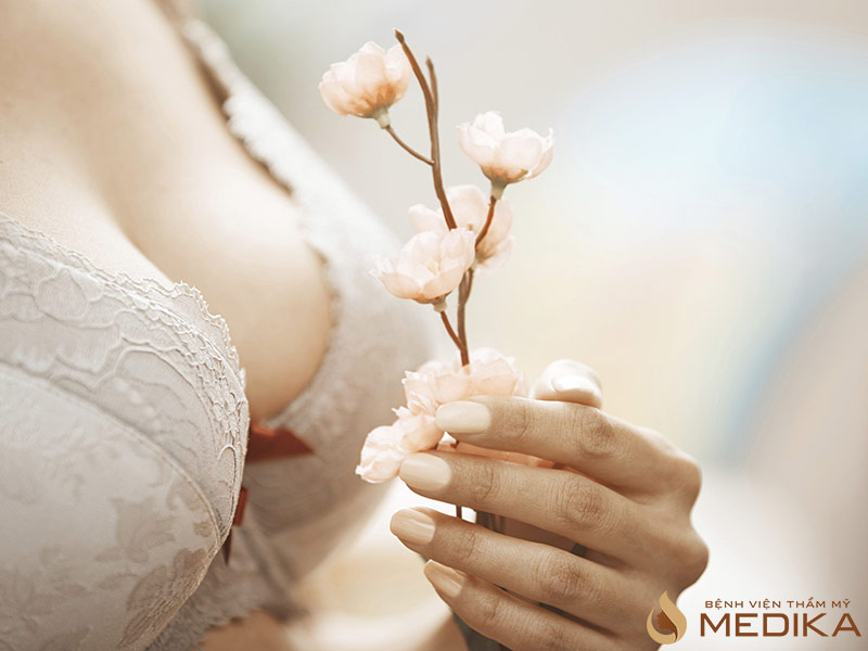 Nâng ngực nội soi có ảnh hưởng đến chức năng vú không?
