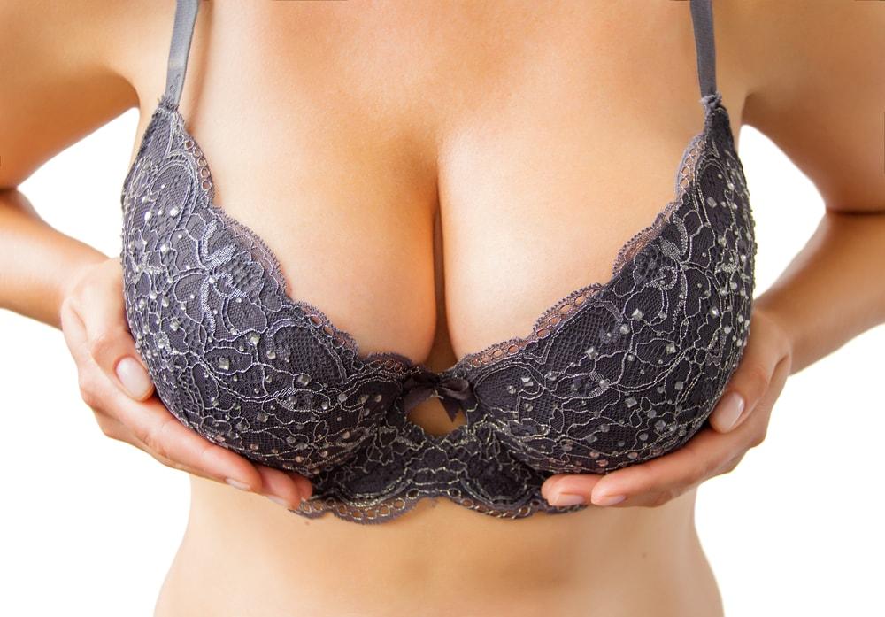 Thu nhỏ ngực phì đại - Giảm bớt mô tuyến ngực và da vùng ngực