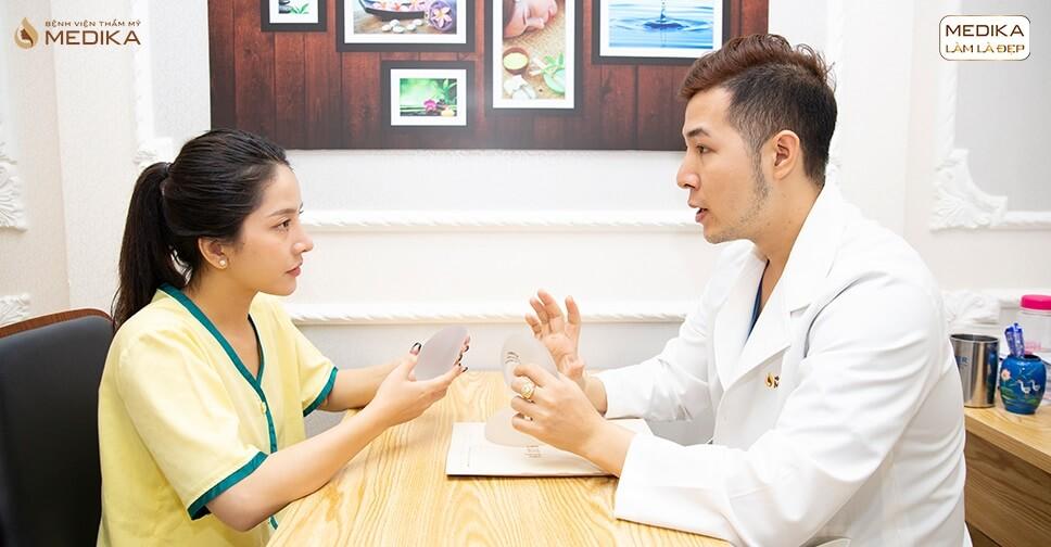 Phẫu thuật nâng vòng 1 nội soi dưới 18 tuổi thực hiện được không? - Chuyên gia nâng ngực